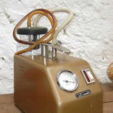 Antigüedades: APARATO MEDICO ANTIGUO AÑOS 60 VACUOMETRO INDUSTRIAS ORDISI PALLEJA BARCELONA ELECTRO MEDICINA. Lote 51534849