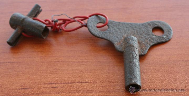 Antigüedades: ANTIGUA LLAVE PARA RELOJ DE CARGA MANUAL, DE HIERRO FORJADO FORJA, SIGLO XIX - CON ACCESORIO - Foto 2 - 51535869