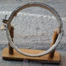 Antigüedades: ANTIGUO BASTIDOR DE MADERA PARA BORDAR. Lote 51562540