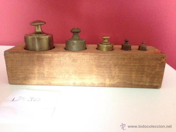 Nº30 ANTIGUO JUEGO DE PESAS EN BRONCE CON SU CAJA (Antigüedades - Técnicas - Medidas de Peso Antiguas - Otras)