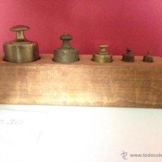 Antigüedades: Nº30 ANTIGUO JUEGO DE PESAS EN BRONCE CON SU CAJA. Lote 51624519