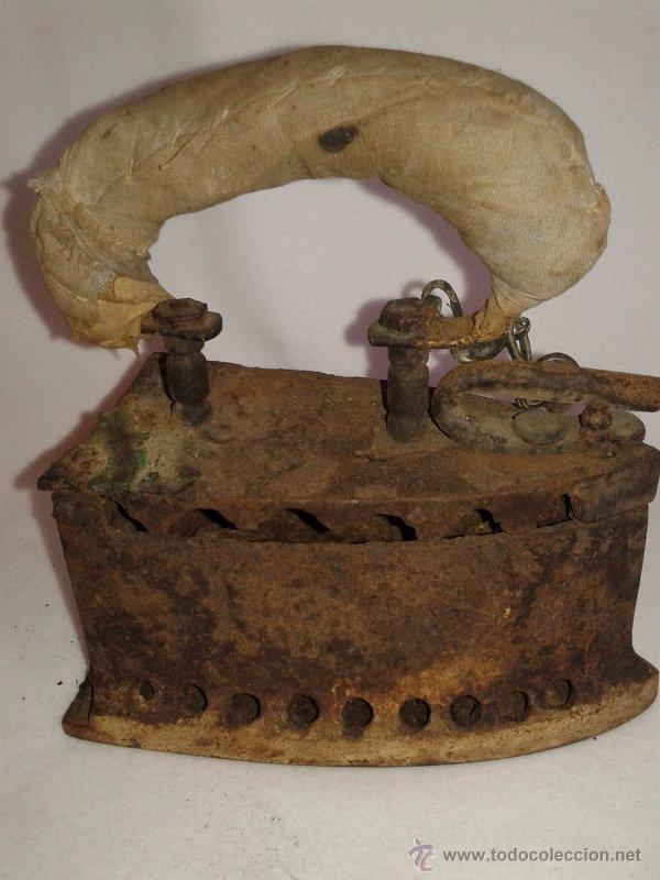 ANTIGUA PLANCHA DE CARBÓN (Antigüedades - Técnicas - Planchas Antiguas - Carbón)