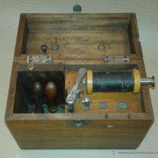 Antigüedades: MAQUINA PARA DAR DESCARGAS ELÉCTRICAS, SIGLO XIX. Lote 51633938