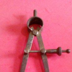Antiquités: ANTIGUO COMPAS DE HIERRO. Lote 51665868