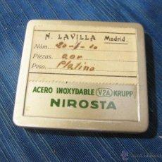 Antigüedades: CAJA DE AGUJAS PARA JERINGUILLA. N. LAVILLA MADRID. NIROSTA . Lote 51673952