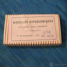 Antigüedades: CAJA DE CARTON DE AGUJAS HIPODERMICAS. 7 X 4 X 1 CMS. Lote 51674689