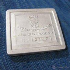Antigüedades: CAJA DE AGUJAS HIPODERMICAS PARA JERINGUILLA MARCA SUPER VIER. Lote 51675514