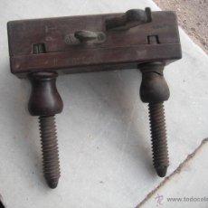 Antigüedades: CEPILLO ACANALADOR CARPINTERO. Lote 51745306
