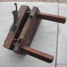 Antigüedades: CEPILLO ACANALADOR CARPINTERO. Lote 51745414