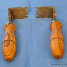 Antigüedades: RASCADORES DE HIERRO DE FORJA.. Lote 51745760