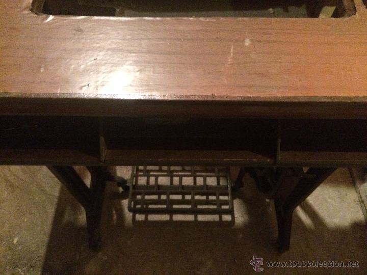 Antigüedades: Antiguo pie de maquina de coser Alfa de los años 50 - Foto 7 - 52354250