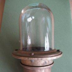 Antigüedades: LÁMPARA DE BARCO. BRONCE Y CRISTAL .. Lote 52427089