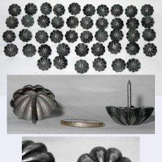 Antigüedades: TACHUELAS PLATA MACIZA-CLAVO-SIGLO XVIII-MUEBLE-JAMUGA-CUERO-SILLON-SILLA-ARCON-BARGUEÑO-PUERTA. Lote 52442758