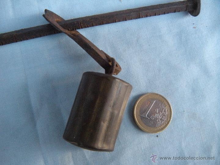 Antigüedades: PEQUEÑA ROMANA CON PILÓN DE BRONCE. - Foto 4 - 52459269