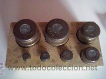 Antigüedades: Nº2 ANTIGUA CAJA CON 7 PESAS EN BRONCE - Foto 2 - 52569931