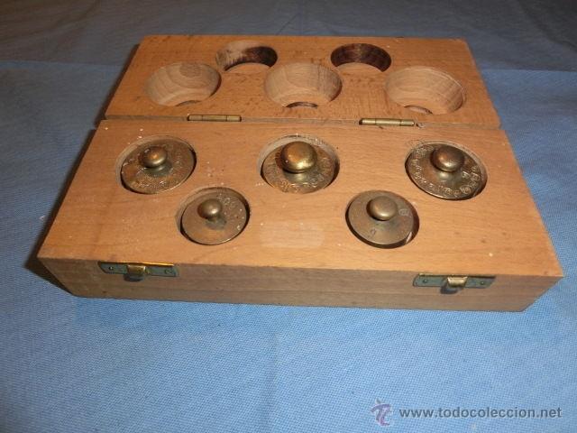 Antigüedades: Nº30 ANTIGUO JUEGO DE PESAS EN BRONCE CON SU CAJA MADERA PARA GUARDARLAS - Foto 6 - 52570356