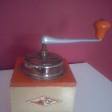 Antigüedades: MOLINILLO CAFE DE LA MARCA KYM. Lote 52573998
