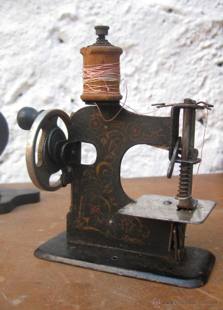 INEDITA MAQUINA DE COSER ANTIGUA VICTORIANA EXPOSICION 1929 BARCELONA MADE IN GERMANY (Antigüedades - Técnicas - Máquinas de Coser Antiguas - Otras)