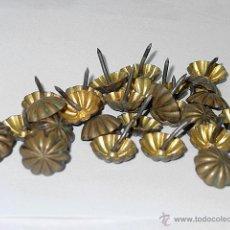 Antigüedades: LOTE 25 CLAVOS O TACHUELAS.BRONCE O LATON Y HIERRO. SIGLO XIX - PPIO XX. CLAVO. TACHUELA. Lote 52633709
