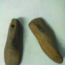 Antigüedades: PAREJA HORMAS ZAPATOS. Lote 52711442