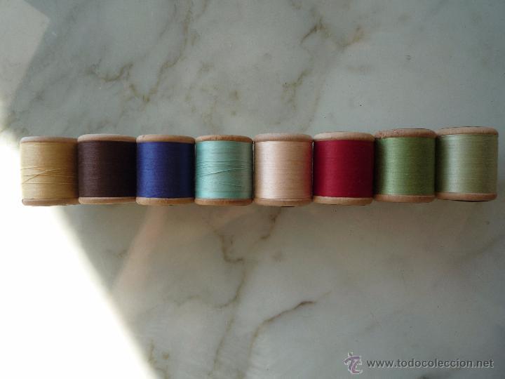 Antigüedades: 8 antiguos carretes bobinas madera / Hilo para bordar / Colores / *FABRA Y COATS* / ¡Sin estrenar! - Foto 10 - 52725828