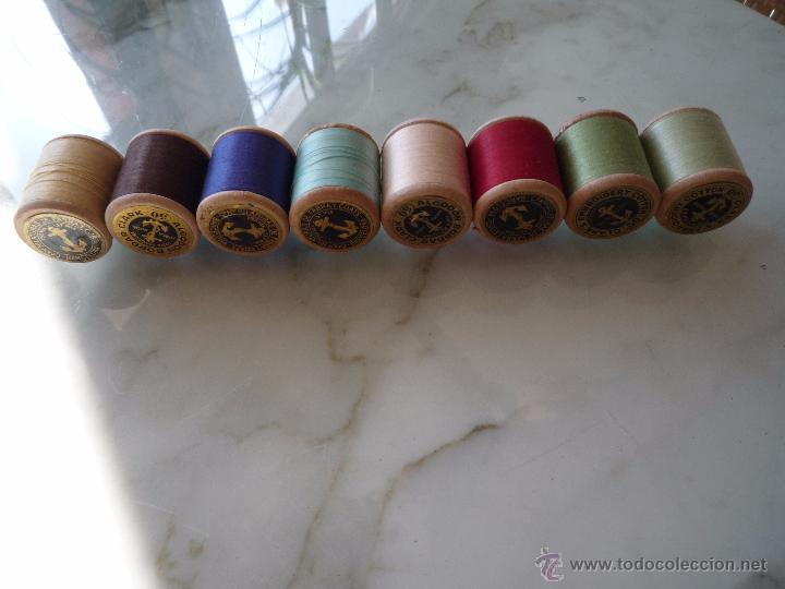 Antigüedades: 8 antiguos carretes bobinas madera / Hilo para bordar / Colores / *FABRA Y COATS* / ¡Sin estrenar! - Foto 11 - 52725828