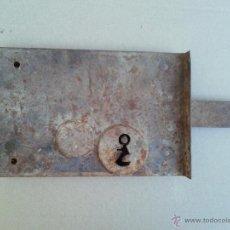 Antigüedades: ANTIGUA CERRADURA DE HIERRO 24 X 16 CM. Lote 52860953