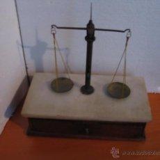 Antigüedades: PRECIOSA BALANZA DE JOYERIA O FARMACIA SIGLO XIX. Lote 52924249
