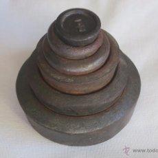 Antigüedades: JUEGO DE PESAS INGLESAS DE HIERRO. Lote 52941622