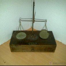 Antigüedades: ANTIGUA BALANZA DE FARMACIA O LABORATORIO - SIGLO XIX. Lote 139627858