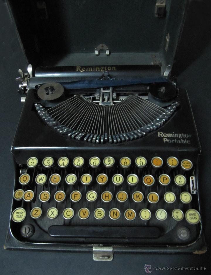 ANTIGUA MAQUINA DE ESCRIBIR REMINGTON PORTABLE. CON MALETA. (Antigüedades - Técnicas - Máquinas de Escribir Antiguas - Remington)