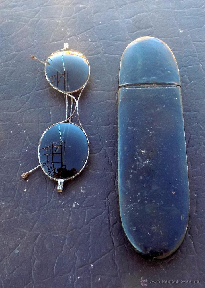 Antigüedades: antiguas gafas de sol, con preciosa funda - Foto 2 - 53060729