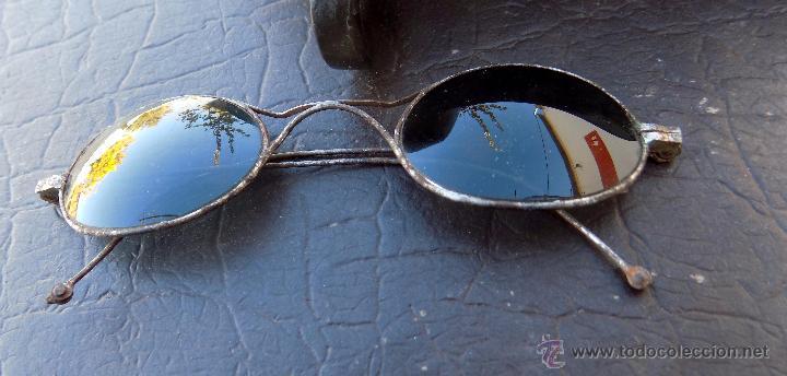 Antigüedades: antiguas gafas de sol, con preciosa funda - Foto 6 - 53060729