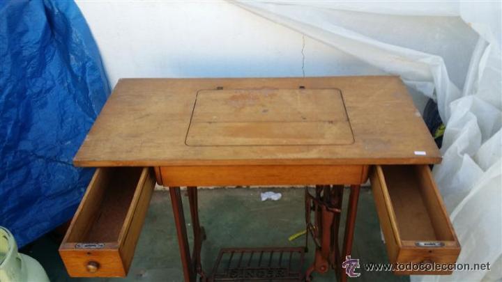 Antigüedades: todos los herrajes necesarios y tapaderas para esconder la maquina de coser - Foto 8 - 53103117