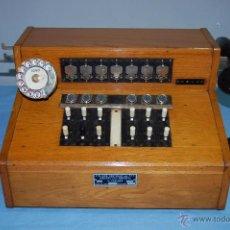 Teléfonos: PRECIOSA CENTRALITA EN MADERA AURICULAR Y DIAL REVERSIBLE. Lote 53214791