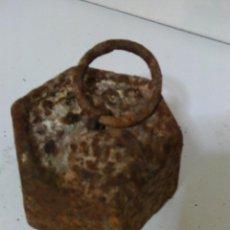 Antigüedades: ANTIGUA PESA HEXAGONAL DE 1 KG.. Lote 53324005