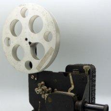 Antigüedades: KODASCOPE MODEL C PROYECTOR CINE KODAK 16 MM MADE IN USA 1924 CON SU CAJA NUMERADO 2688. Lote 170256058