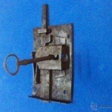 Antigüedades: CERRADURA ANTIGUA. Lote 53496941