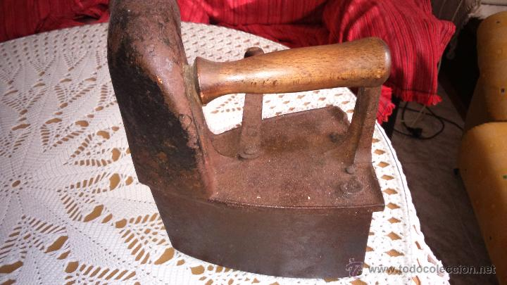 Antigüedades: Antigua plancha de hierro para carbon, marca mondragon uc. Numero 6 - Foto 4 - 53528375
