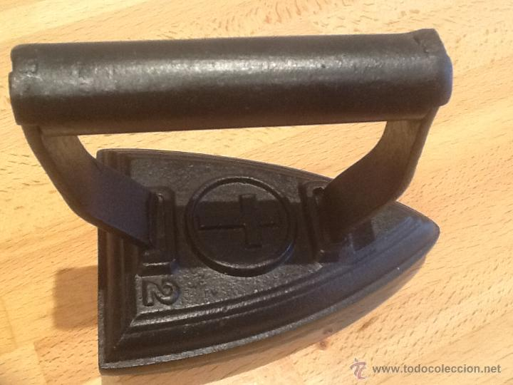 Antigüedades: Plancha base curva , con la marca de la CRUZ N° 2 - Foto 2 - 53564252