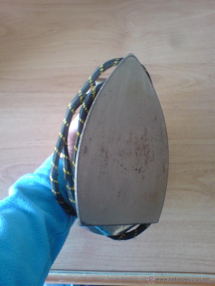 Antigüedades: antigua plancha con cable (ver imágenes adicionales y leer descripcion) - Foto 2 - 53587397