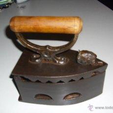 Antigüedades: PLANCHA DE CARBON GRECIA. Lote 53625355