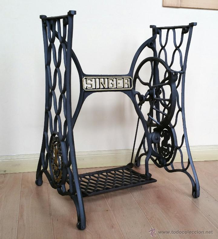 antiguo pie de máquina de coser singer - Comprar Máquinas