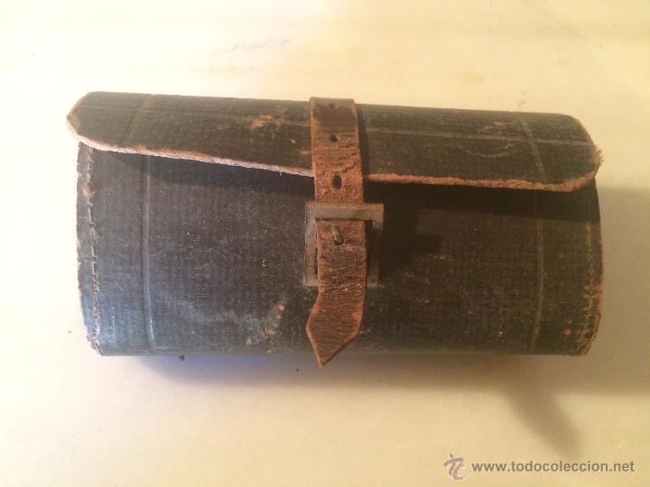 Antigüedades: Antiguas herramienta / llave inglesa para aflojar tuercas en hierro, con estuche de cuero años 40 - Foto 12 - 53785652