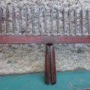 Antigüedades: ANTIGUA FISGA HORQUILLA PARA PESCA ESPECIES DE FONDO PLANO Y RIO, FORJA 40CM, 1.3KG + INFO. Lote 53831107