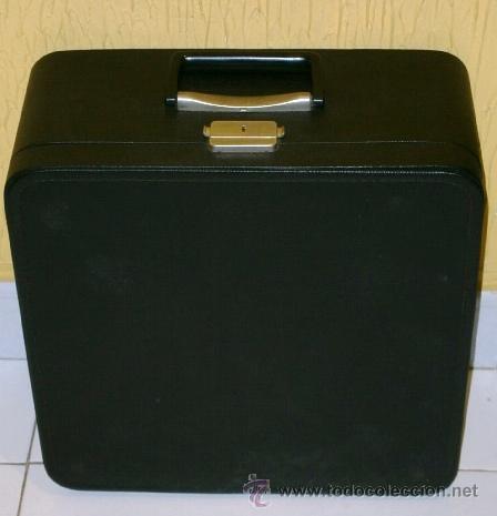 Antigüedades: Máquina de escribir de la marca Olympia, modelo Mónica en su estuche original - Foto 5 - 53848120