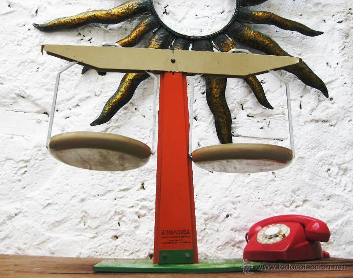 Antigüedades: MUY RARA BALANZA VINTAGE POP METAL SUMADISA MATERIAL DIDACTICO MADRID DECORACION RETRO ESCAPARATES - Foto 2 - 53848545