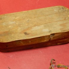 Antigüedades: ANTIGUA BALANZA CON SIETE PESAS. . Lote 54074583