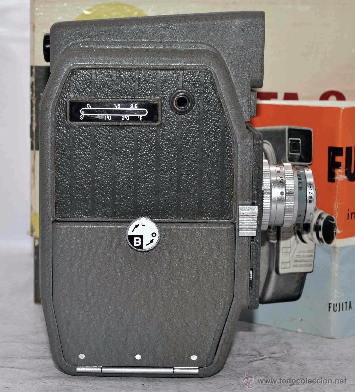 Antigüedades: GRAN CALIDAD..CAMARA DE CINE DE 8 mm..FUJITA 8+CAJA+MANUAL..JAPON 1961..MUY BUEN ESTADO..FUNCIONA - Foto 10 - 54096141