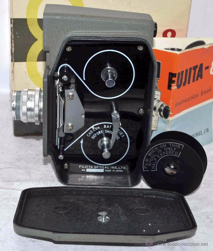 Antigüedades: GRAN CALIDAD..CAMARA DE CINE DE 8 mm..FUJITA 8+CAJA+MANUAL..JAPON 1961..MUY BUEN ESTADO..FUNCIONA - Foto 17 - 54096141